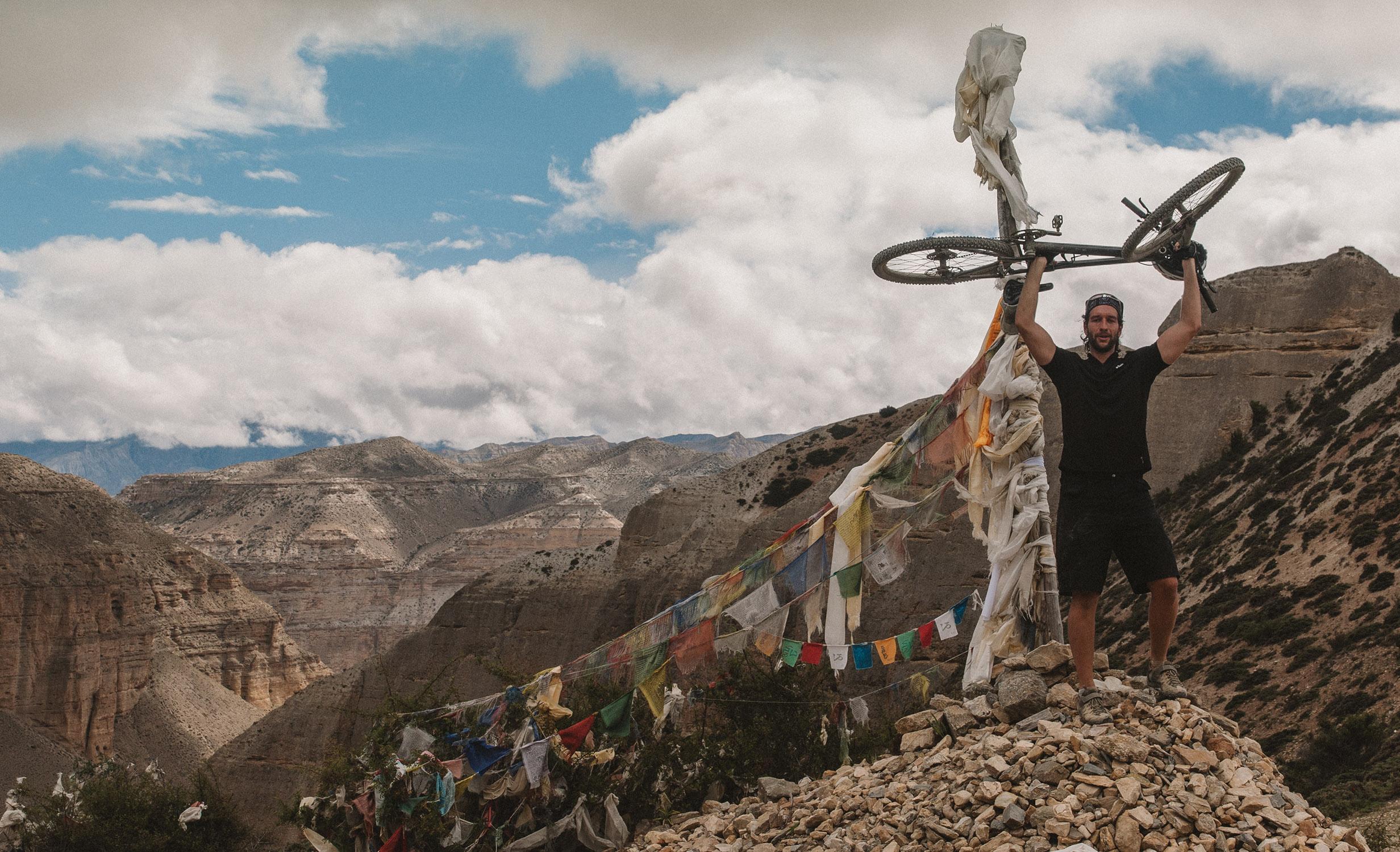 Biken in Nepal